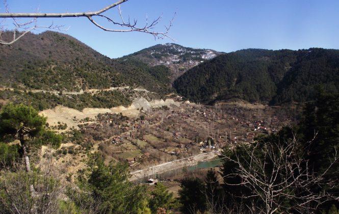 YUSUF YAVUZ / AÇIK GAZETE - Bakanlar Kurulu'nun baraj için evlerine el koyduğu köyde köylüler mağdur oldu, devlet ise 'Bundan ben sorumlu değilim' diyor…