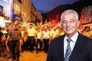 Demokrasi nöbetinde Belediye Başkanı Kocaer