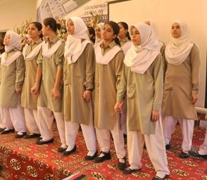 Pakistan'da İslamabad dahil birçok şehirde Pak-Türk'e bağlı 28 okul bulunuyor.
