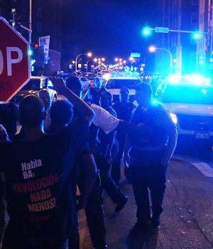ABD'de polise siyahi protesto