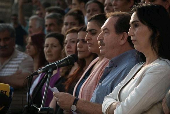 HDP'li siyasetçiler