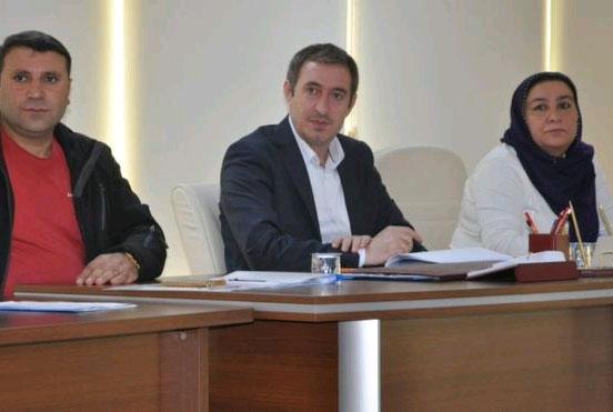 Siirt Belediye Başkanı Bakırhan (ortada)