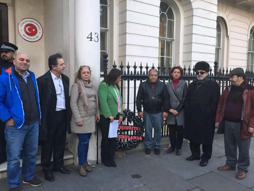 CHP'den Büyükelçilik'e siyah çelenk