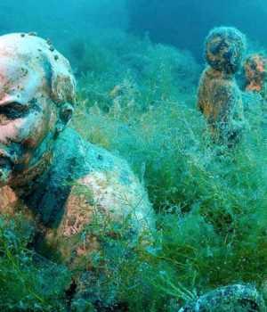 Karadeniz'in sakladığı Sovyet heykelleri
