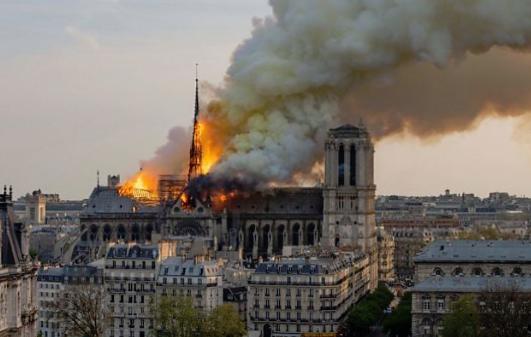 Notre-Dame yangını herkesten bir parça kopardı